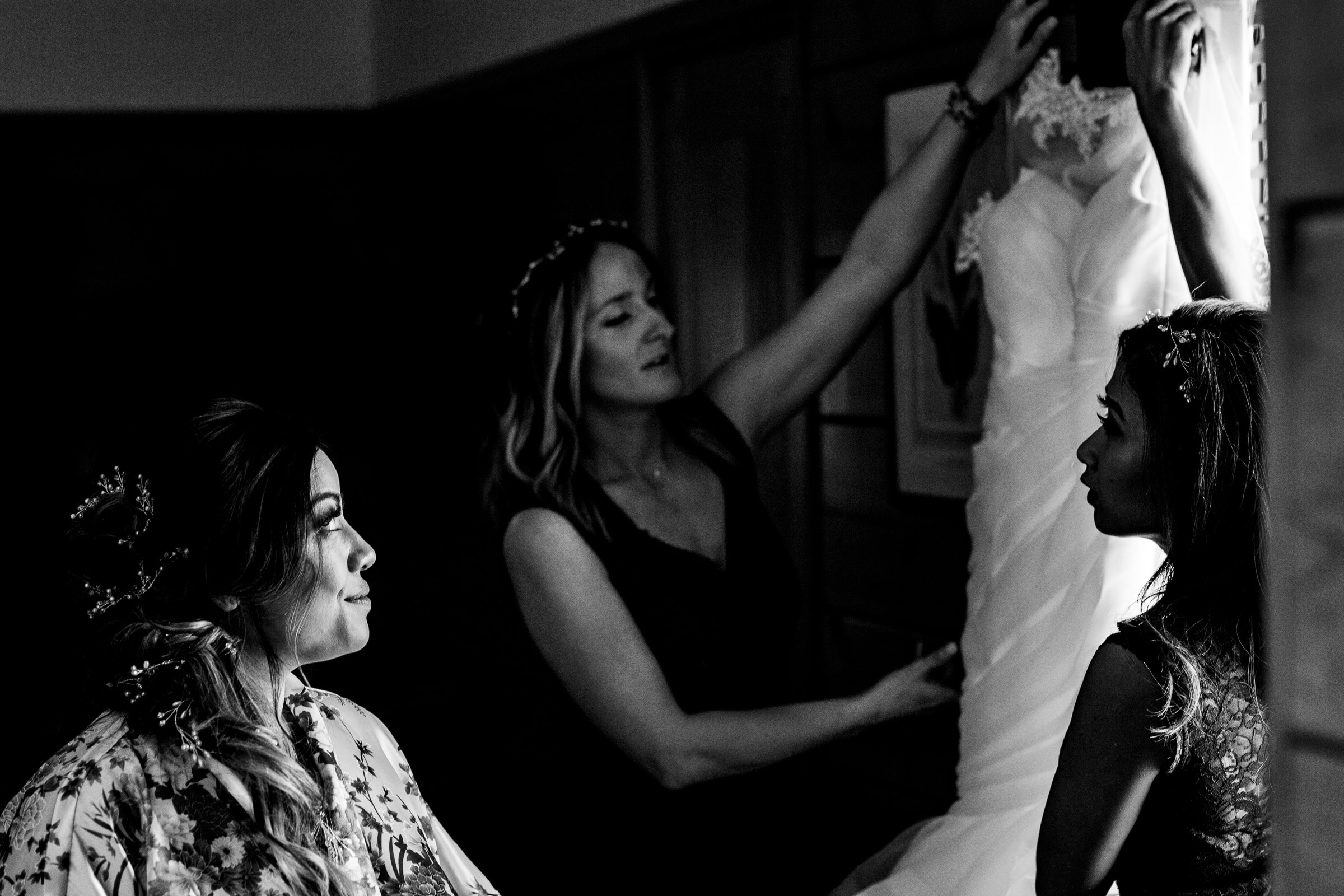 Bride getting ready for her Timberline Lodge wedding with close friends
