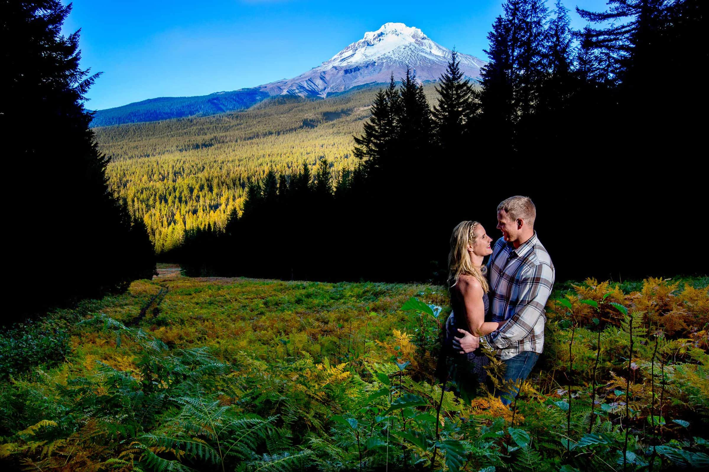 A magnificent fern field for a couples Mt Hood engagement photos