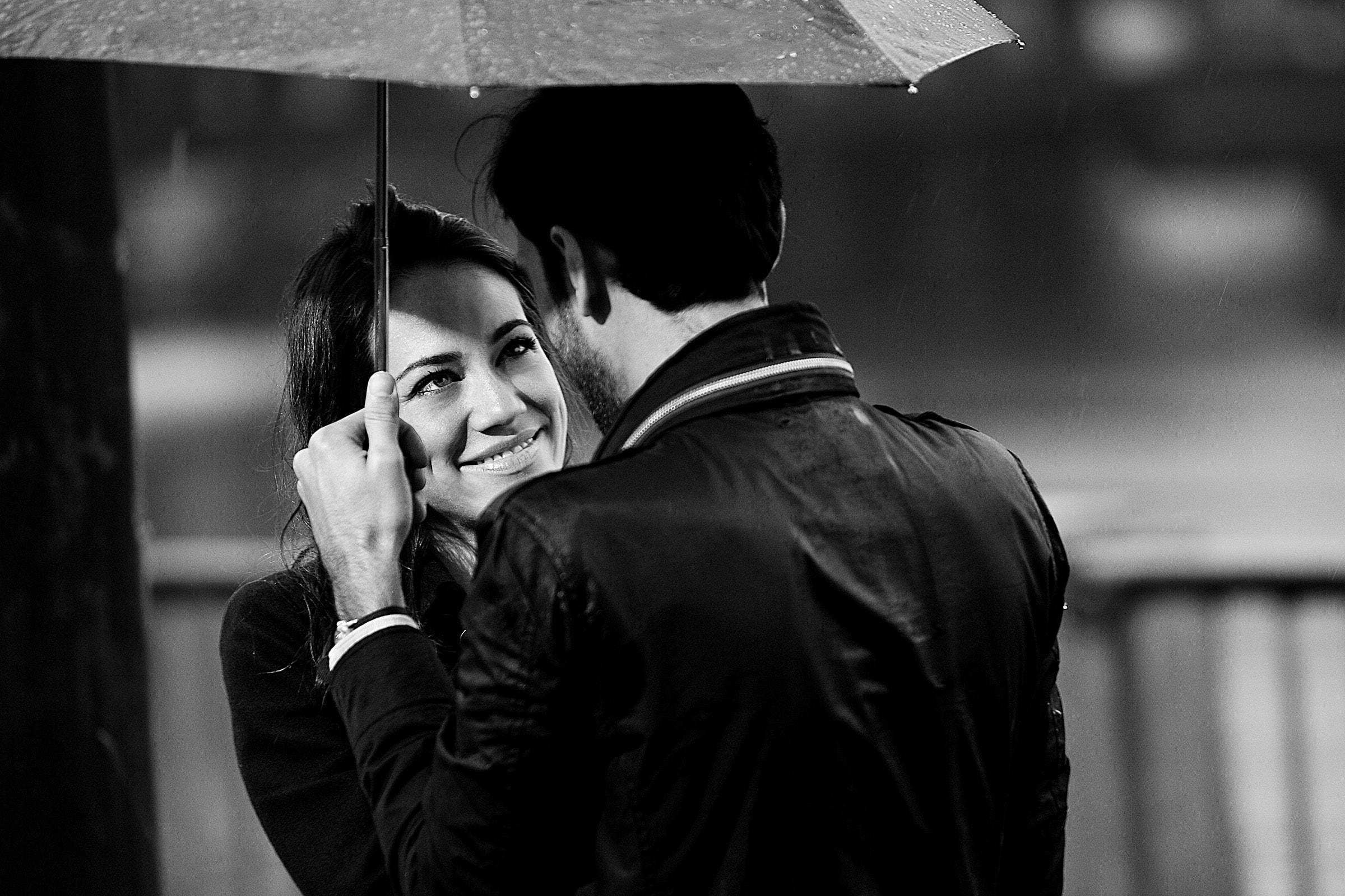 A beautiful Portland engagement proposal photo under an umbrella