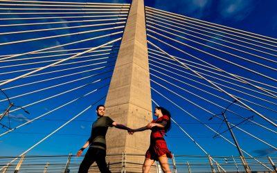 Tilikum Bridge Engagement Photos – Courtney & Andrew